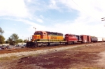 BNSF 6829 leads mixed freight north